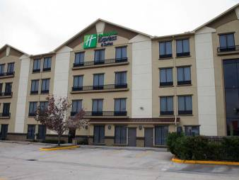 Holiday Inn Express & Suites Houston North